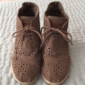 TOMS Women's wedge heel boots